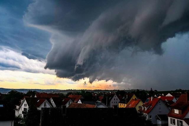 Stormchaser machen Jagd auf Gewitterzellen in Baden-Württemberg