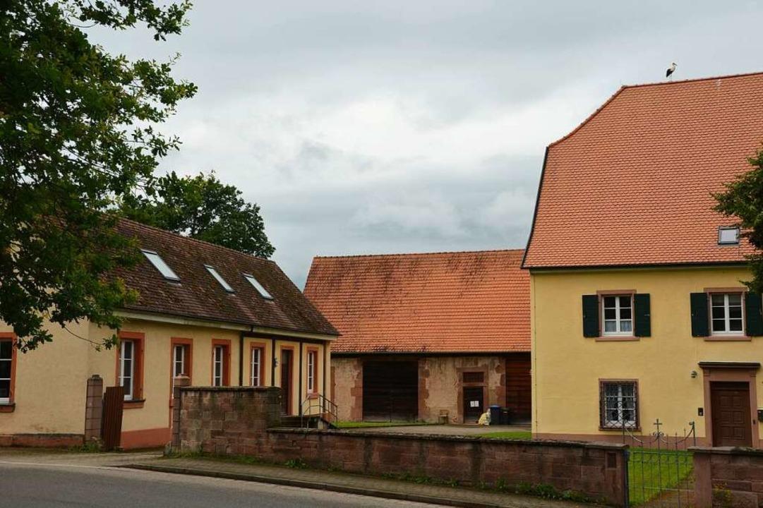 Das Ensemble aus Pfarrhaus, Scheune un...n Modell für den Rest des Landes sein.    Foto: Felix Lieschke