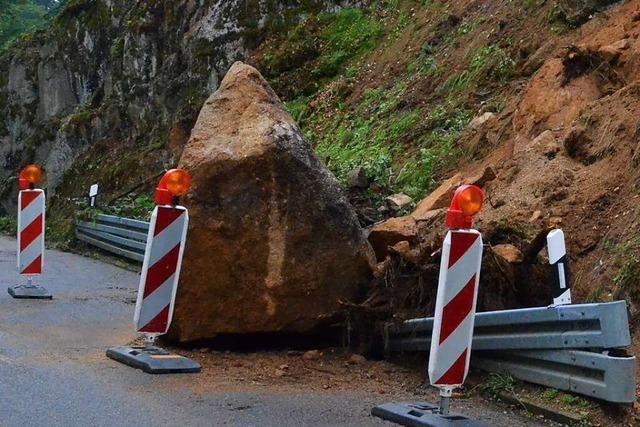Vermeintlicher Felssturz entpuppt sich als geplante Räumarbeit