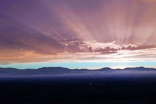 Der Himmel bei Sasbach sieht aus wie in einem Science-Fiction-Film