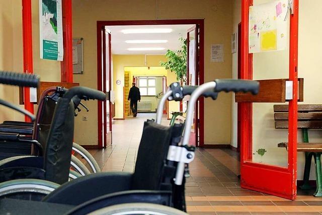 Menschen mit Behinderung berichten von Isolation und Integration