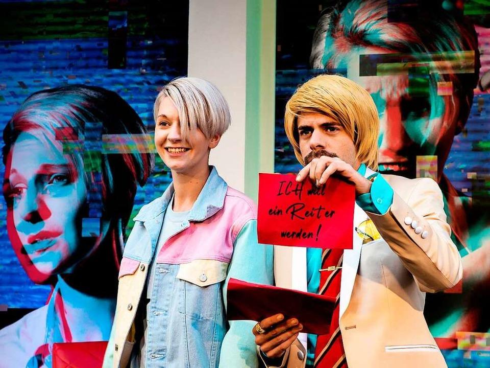 Im Einschaltenquotenstrudel: Chris Mei...und Jochen Kruß als Talkshowmaster Rob  | Foto: Manuel Kreitmeier