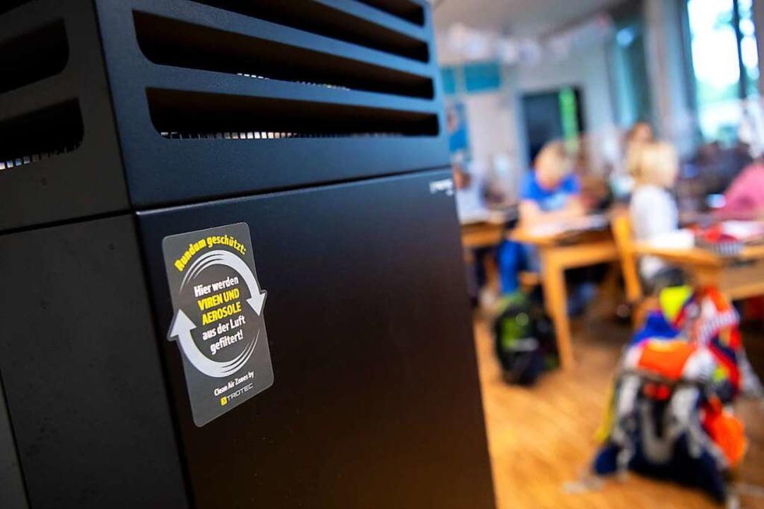 Der Nutzen ist umstritten: In Emmendin... Lüftungsanlagen noch nicht überzeugt.  | Foto: Sven Hoppe (dpa)