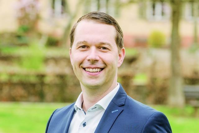 Marco Gutmann gewinnt den ersten Wahlgang, Simone Lenenbach tritt nicht mehr an – Entscheidung fällt am 25. Juli