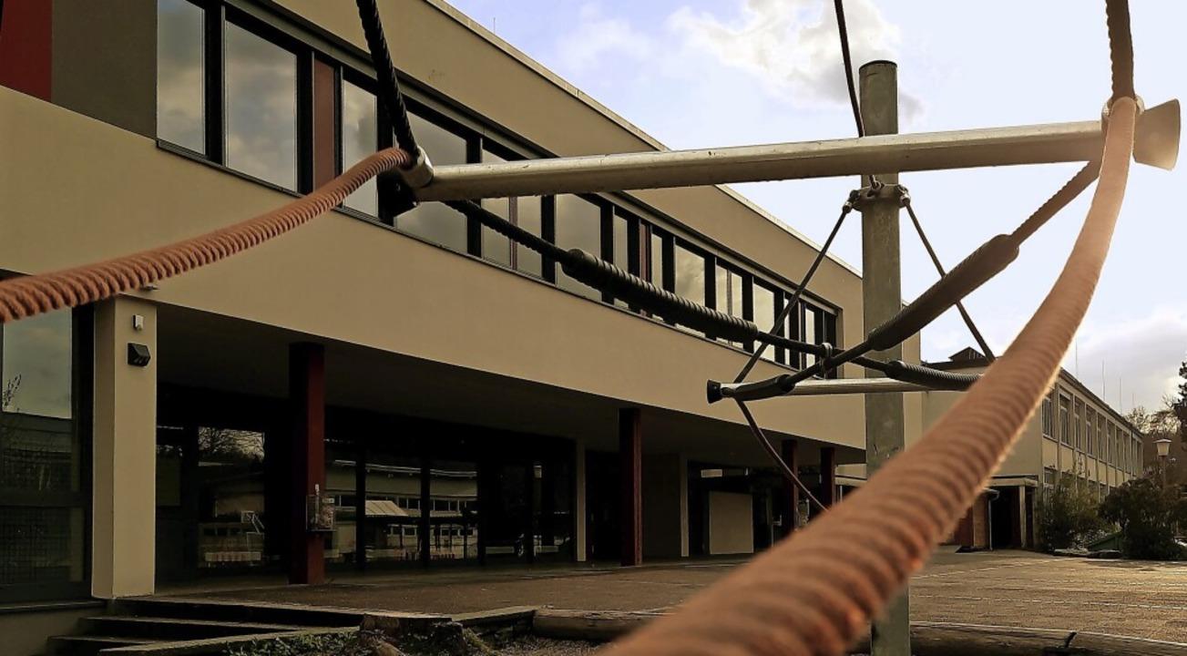 Der Schulhof auf der Zelg wird von Jug...n die beschwert sich über Ruhestörung.  | Foto: Erika Bader
