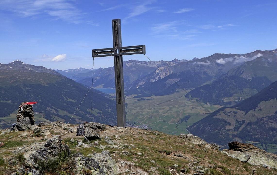Nach Aufstiegen über Hochgebirgspfade ...blicke auf die Südtiroler Landschaft.     Foto: Verein