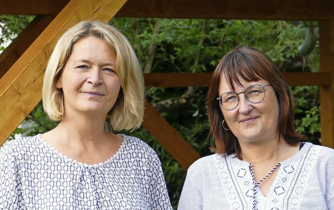 Birgit Grewe (links) und Elisabeth Hoc... ihren Erzieherinnnen-Beruf jeden Tag.  | Foto: Martina David-Wenk