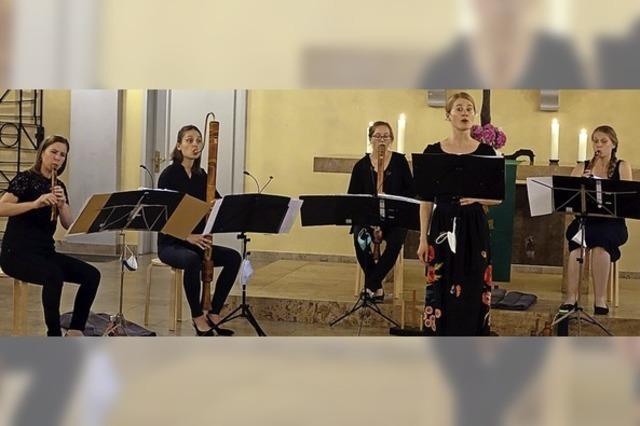 Flötenkonzert mit lieblichem Vogelgezwitscher