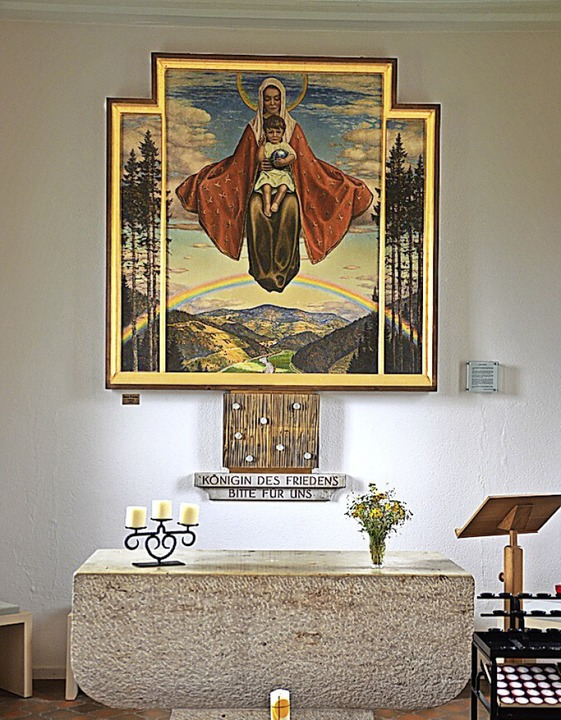 Der Altarraum der Mambacher Kapelle Maria Frieden  | Foto: Edgar Steinfelder