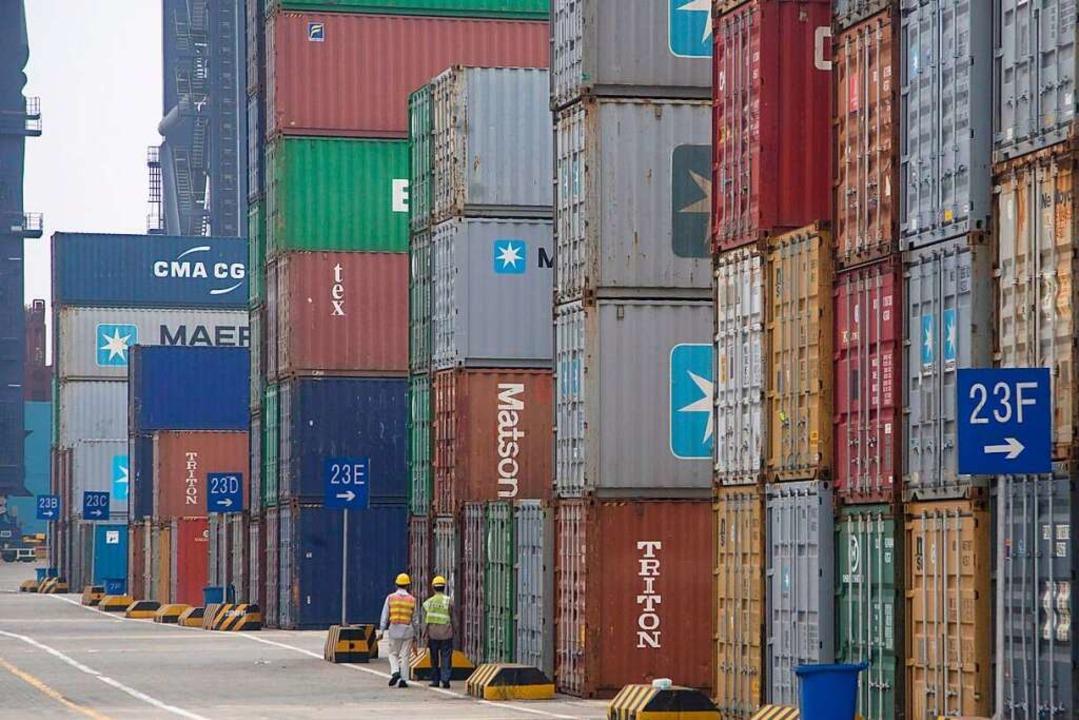 2020 wurden in Yantian 27 Millionen Standardcontainer umgeschlagen.    Foto: epa Adrian Bradshaw
