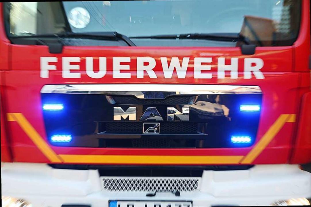 Die Feuerwehren behalten die Pegel der Flüsse und Bäche im Blick.  | Foto: Bastian Henning