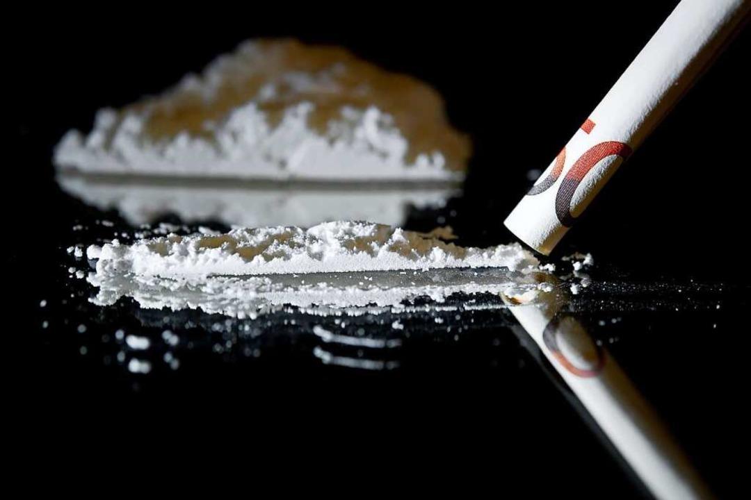 Kokain (Symbolbild), Marihuana und Has...ilte nach eigenem Geständnis verkauft.  | Foto: David Ebener