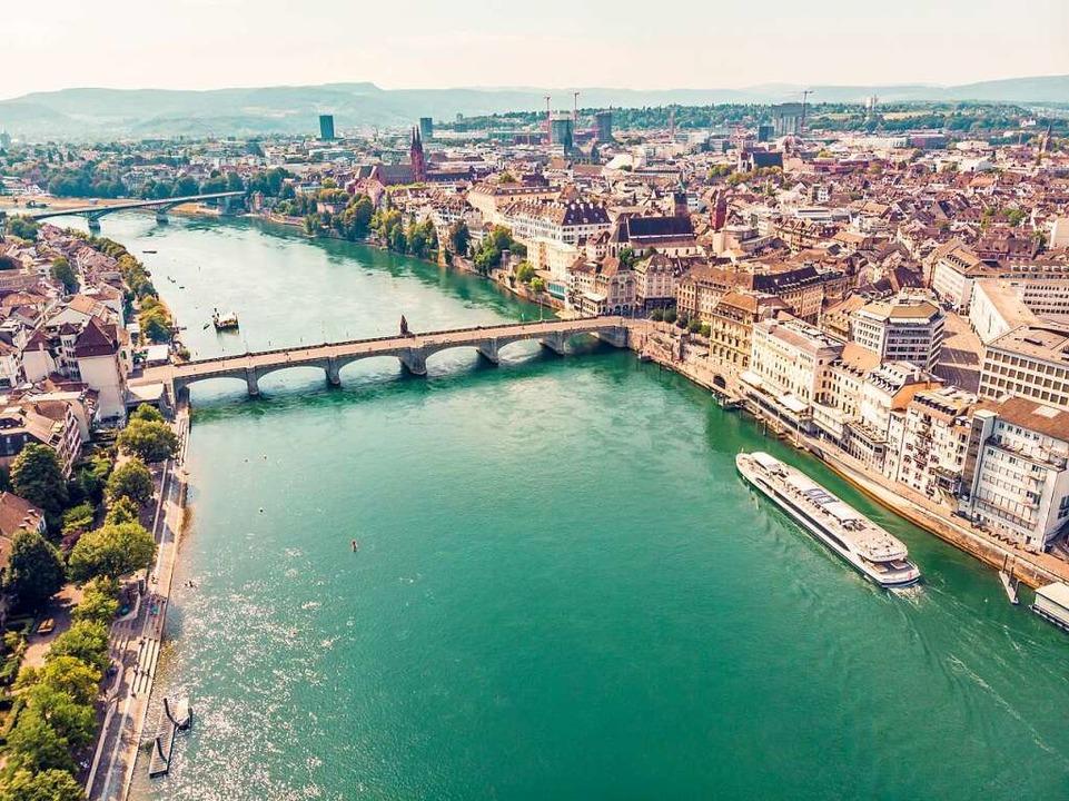 Ausflugsschifffahren durch Basel: Link...hen, wie es die Schifflände ansteuert.  | Foto: Basler Personenschifffahrt
