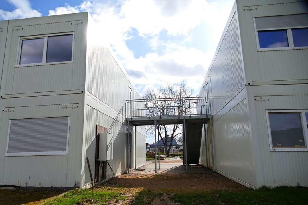 Der Landkreis kann die Unterkunft am F...r Friedhof bis Jahresende 2022 nutzen.    Foto: André Hönig