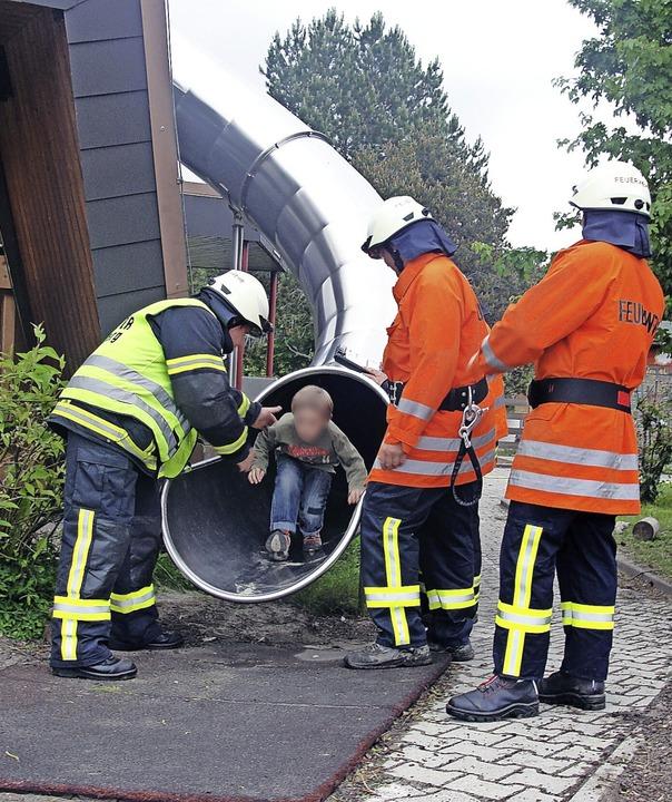 Eine solche Rettungsrutsche kann im Er... die Kinder sie als Spielgerät nutzen.    Foto: Tina Hättich