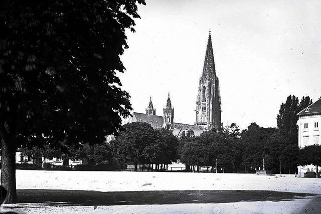 Historisches Foto zeigt Blick aufs Freiburger Münster aus der Zeit vor 1888