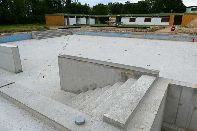 Sanierung des Thermalsportbads Steinenstadt dauert an