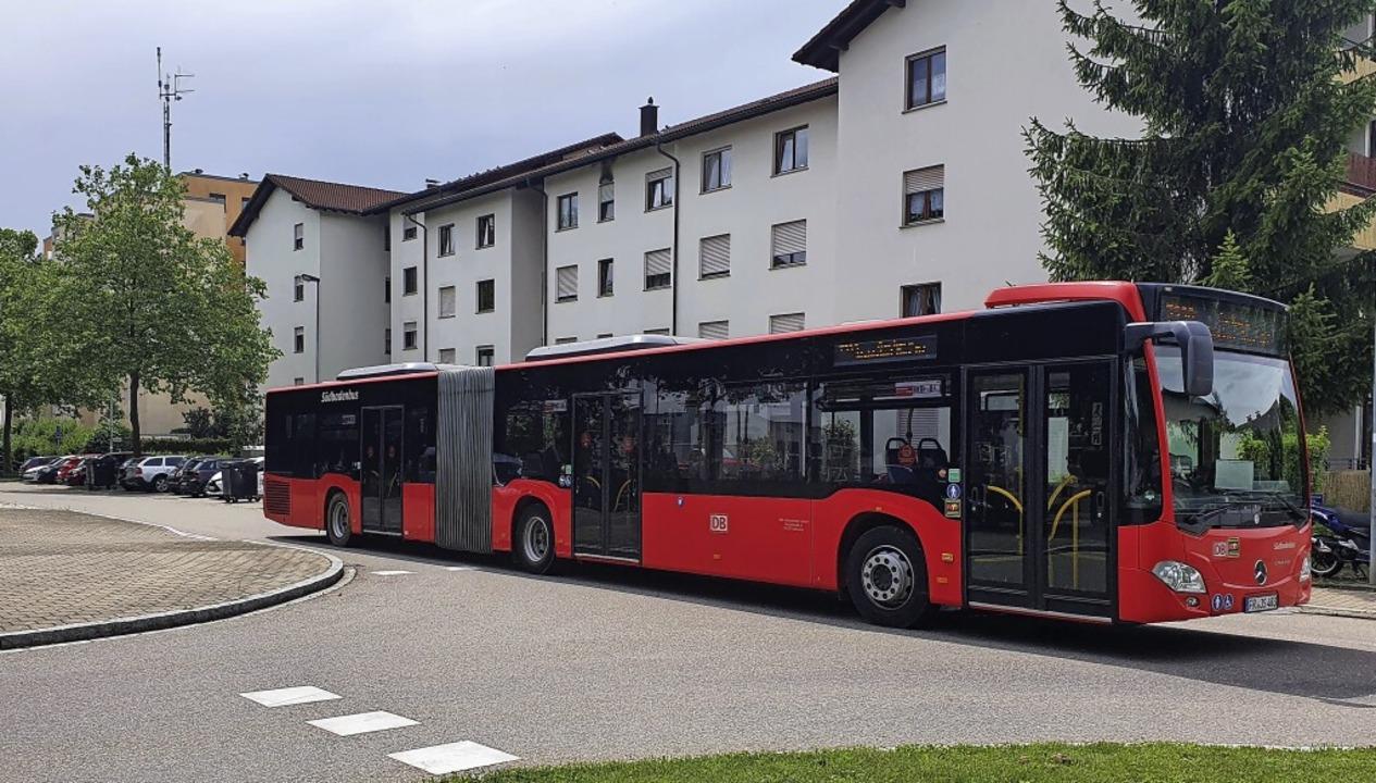 Die Aarberg-Linie verkehrt derzeit auf...dern biegen in die Eichholzstraße ab.   | Foto:  Tesche, Sabine