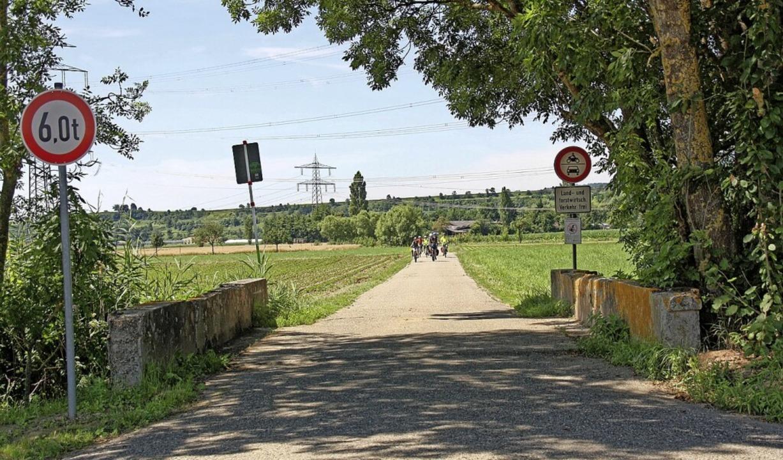 Die Brücke über den Mühlkanal wird neu gebaut.   | Foto: Christiane Franz