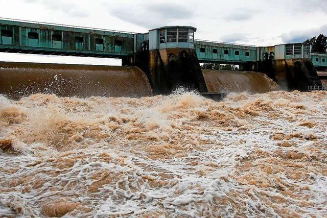 Am Hoch- und Oberrhein droht Hochwasser – Brücke bei Hartheim gesperrt