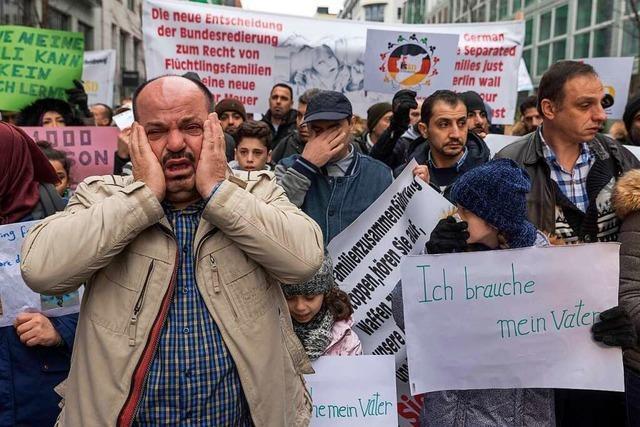 Tausende Angehörige von Flüchtlingen warten im Ausland auf ein Visum