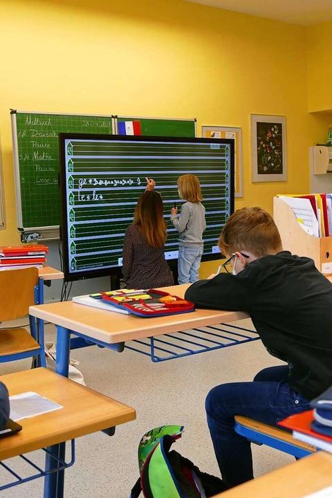 Gehört für die Grundschüler in Merding...ch zum Schulalltag: die digitale Tafel    Foto: Silke Kohlmann
