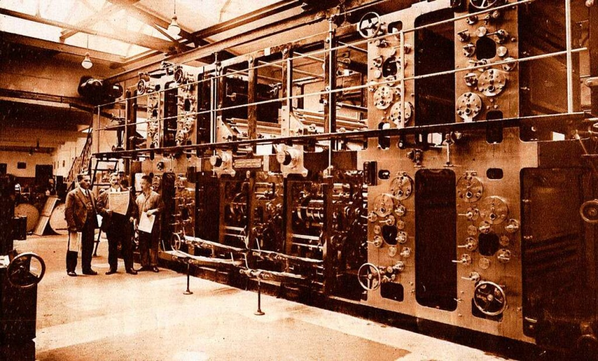 Ein Bild aus besseren Tagen: Verleger ... 1920er Jahre vor der Rotationmaschine    Foto: BZ