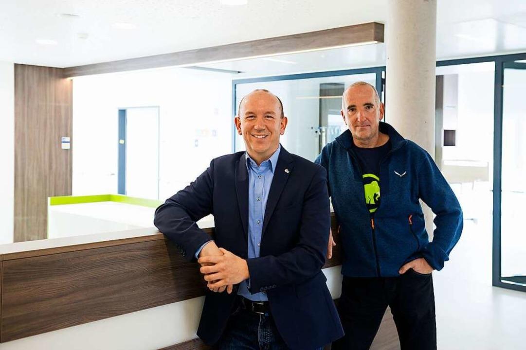 Daniel Charlton (l.) ist Geschäftsführer und Siegfried Buser  Oberarzt.  | Foto: Daniel Schoenen