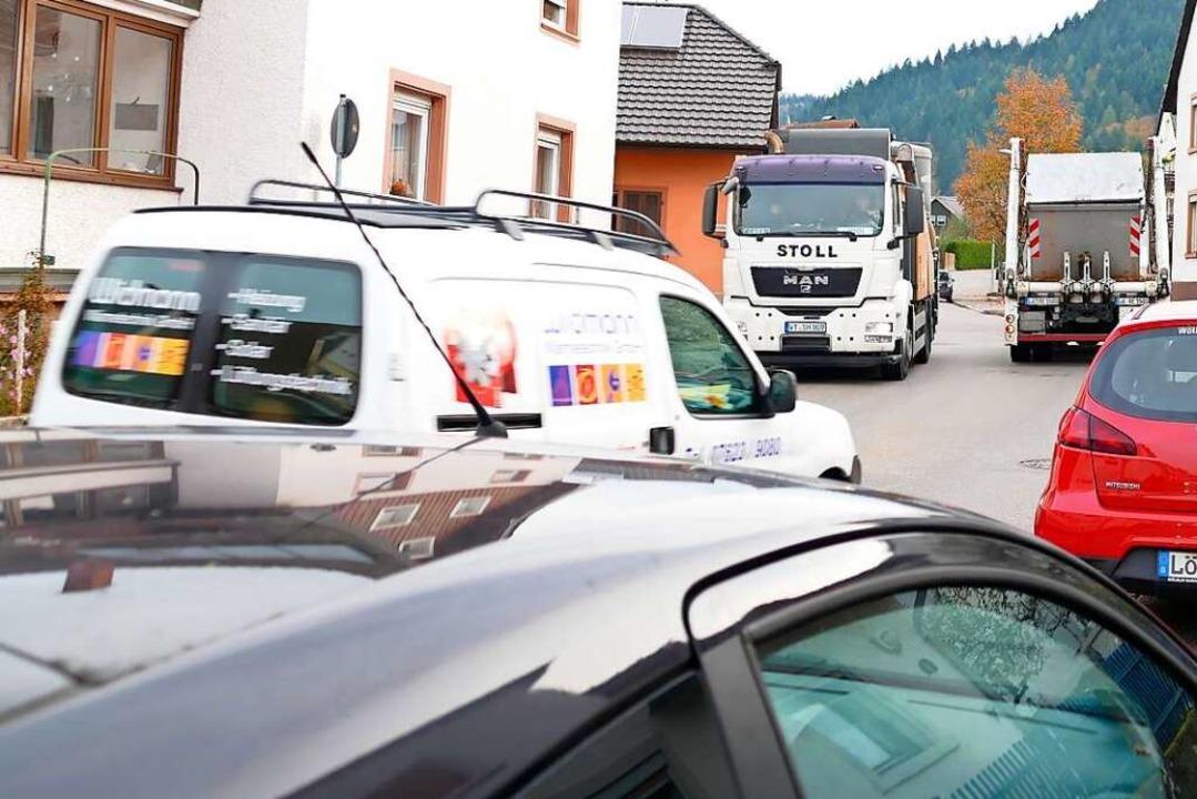 Der Fahrzeugverkehr in der Kanderner Waldeckstraße ist ein Sorgenkind.  | Foto: Markus Maier