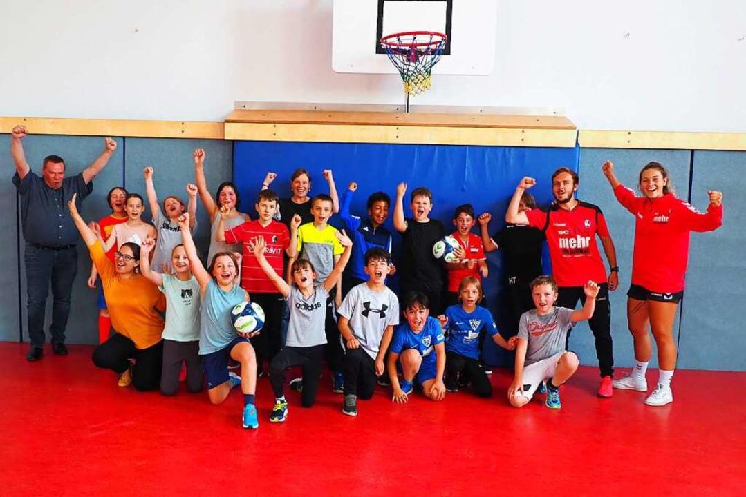 Am Ende war jeder ein Gewinner oder ei...r Leopoldschule und ihren Lehrerinnen.  | Foto: Herbert Frey