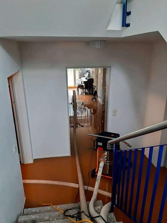 Von der Erdterrasse des Appartements a...n die Wohnung und die Kellerräume ein.    Foto: Heinz und Monika Vollmar