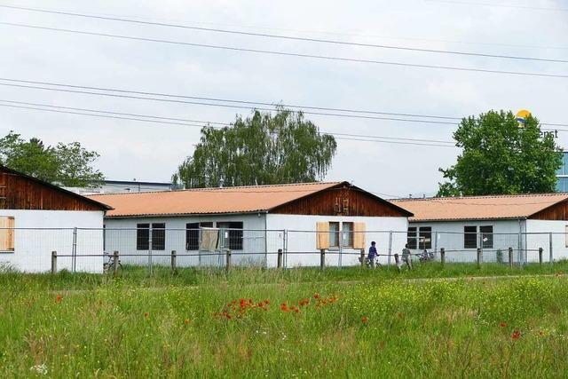 Rammpfähle sichern geplante Flüchtlingsunterkunft in Rheinfelden