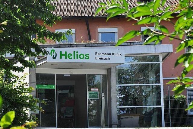 Das Bild der Helios-Rosmann-Klinik in Breisach hat Risse bekommen