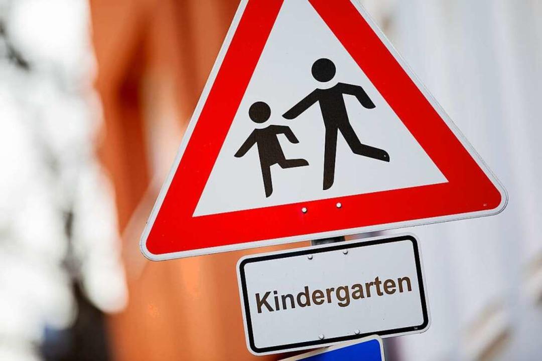 Die Kitagebühren  in Lörrach steigen.  | Foto: Rolf Vennenbernd (dpa)