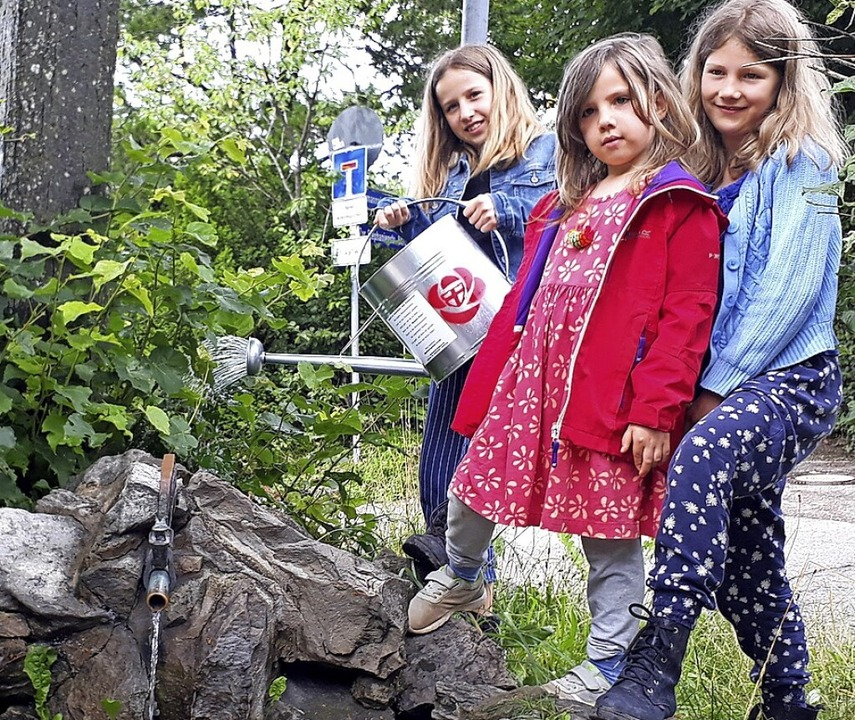 Die drei jungen Erstnutzerinnen  der Gießkanne    Foto: Stadt Freiburg