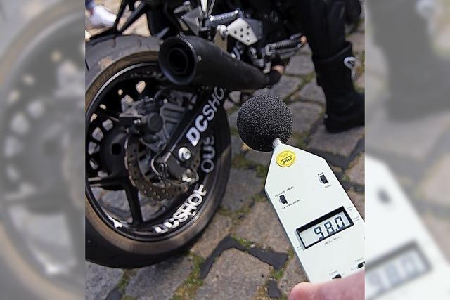 Motorräder stellen eine Belastung an Ortsausfahrten dar