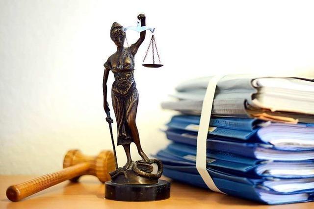 Prozess wegen sexueller Nötigung vertagt, Angeklagter krank