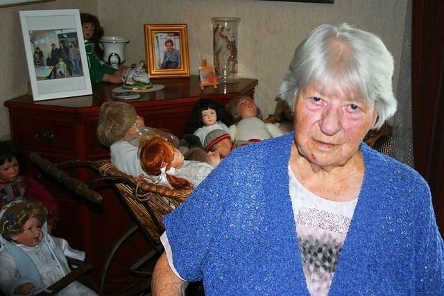 Alice Keller, Trägerin der Bürgermedaille, feiert den 95. Geburtstag