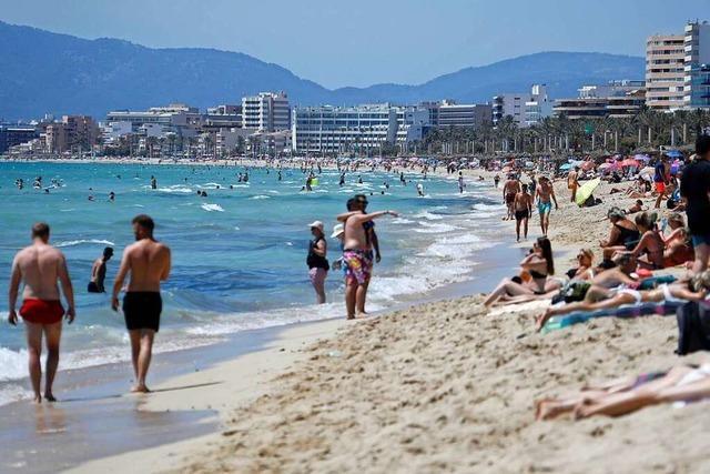 Mallorca tritt wegen hoher Corona-Zahlen auf die Party-Bremse