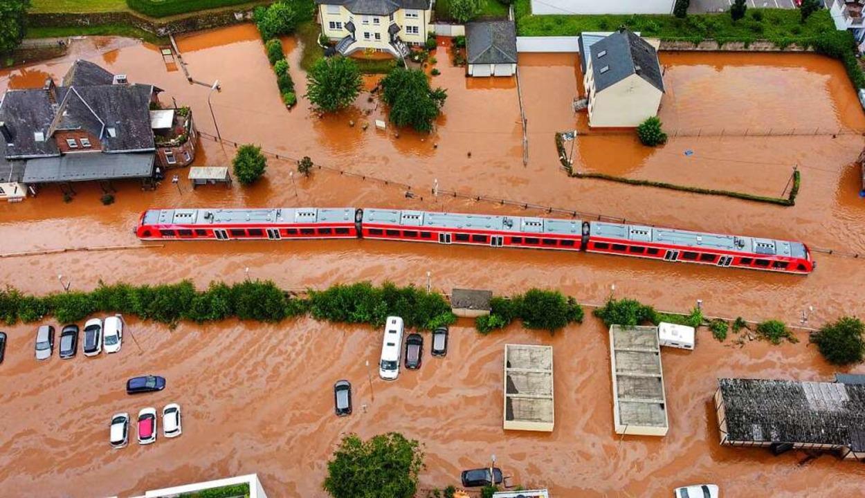 Hochwasser in Rheinland-Pfalz    Foto: Sebastian Schmitt (dpa)