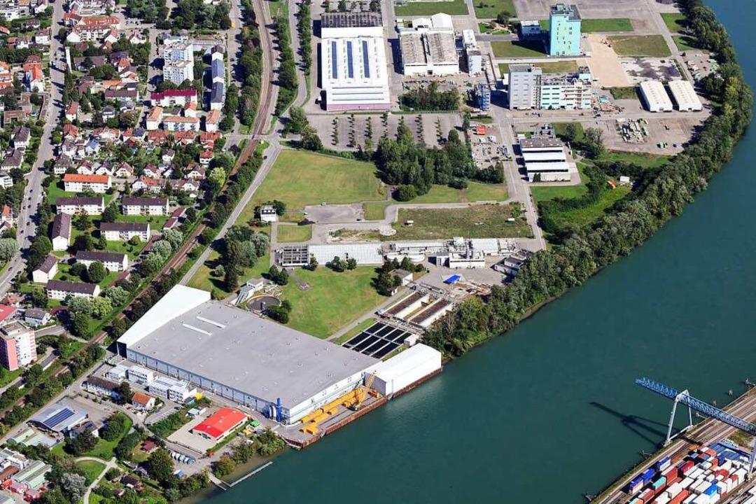 Die Kesslergrube am Rhein: Links unter...chenabdichtung und Unterdruck sichern.  | Foto: Erich Meyer