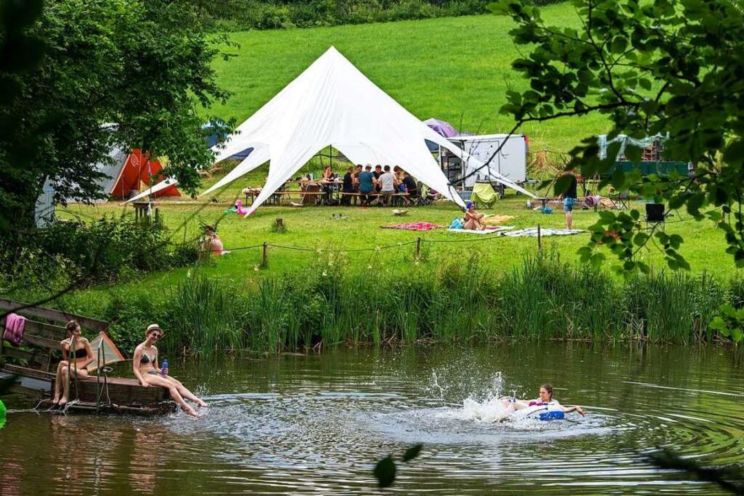 In einem Ferienlager erleben Erwachsen...teuer und Erholung in der freien Natur    Foto: Stefan Puchner (dpa)