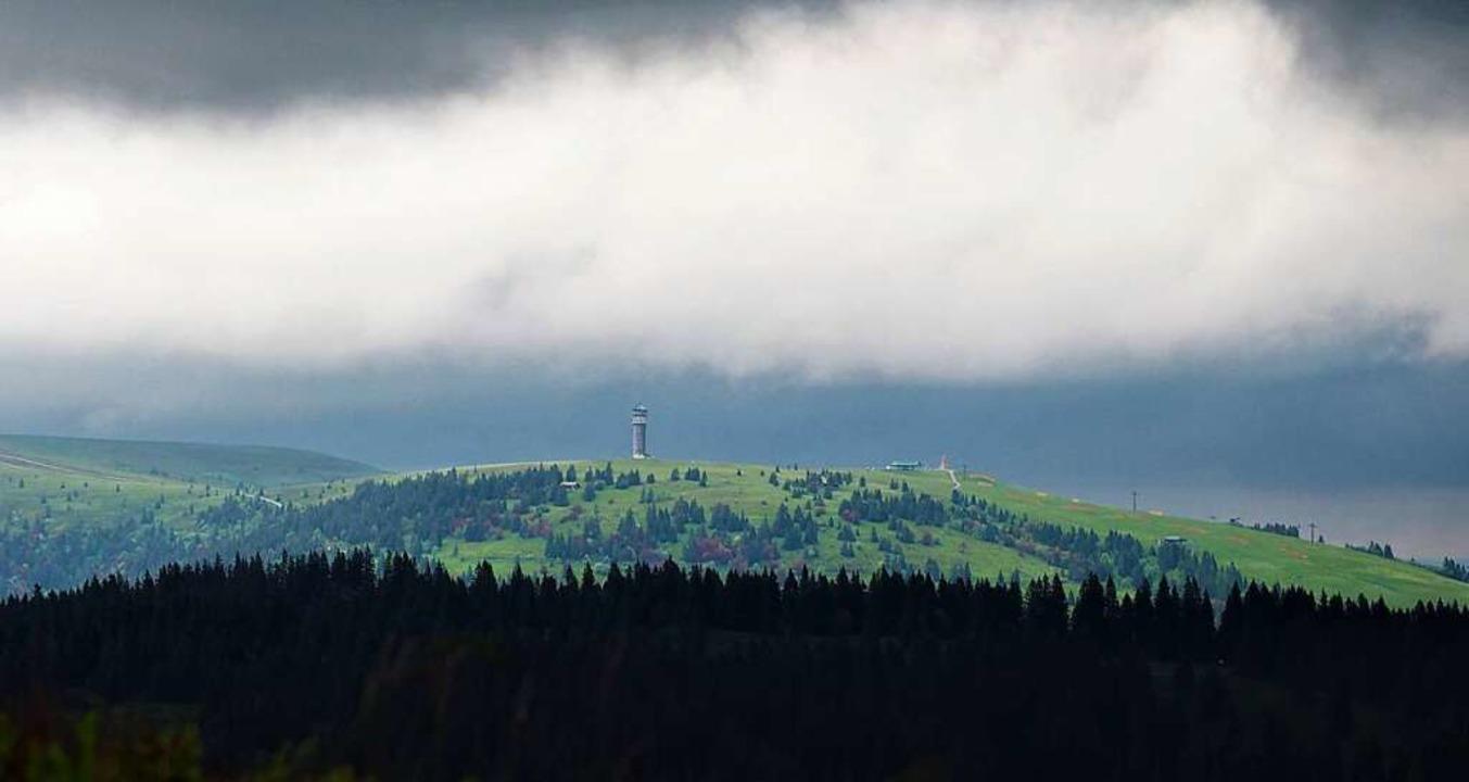 In höheren Lagen - etwa auf dem Feldbe...ewitter gerechnet werden (Archivbild).    Foto: Susanne Gilg