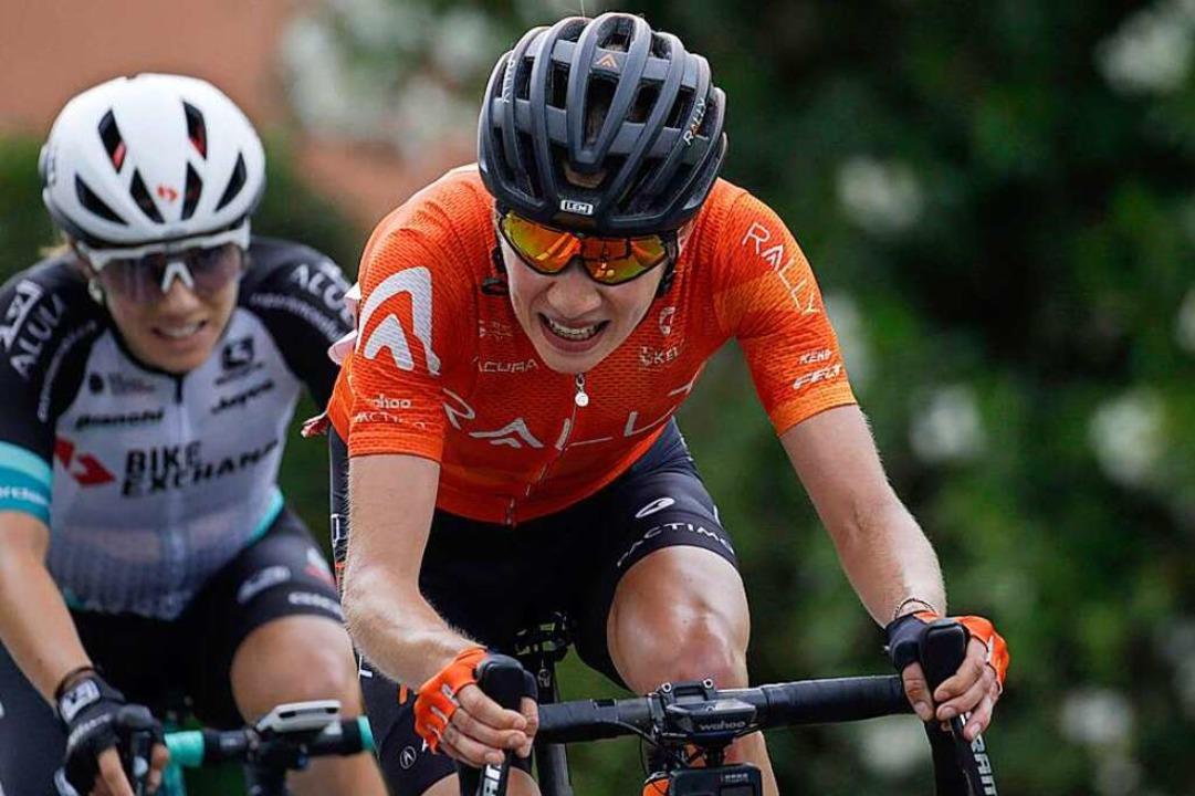 Clara Koppenburg (r.) war beim Giro d&...en im Frauenradsport verlassen musste.    Foto: Roth