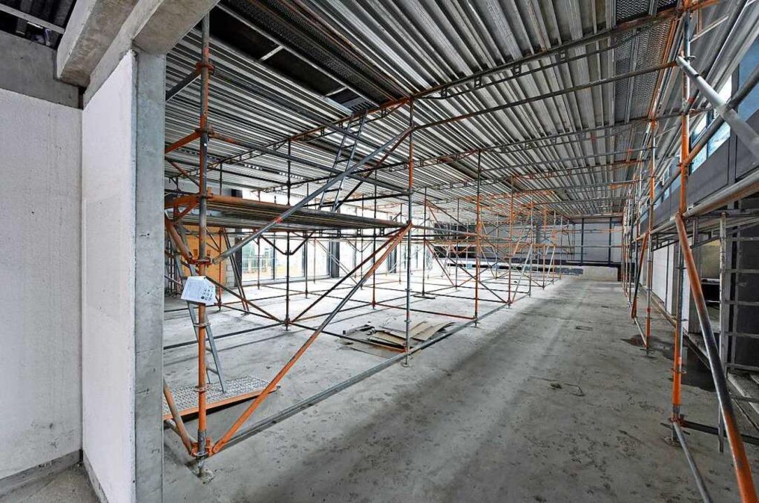 Die Dreisamhalle wurde aufwändig saniert (Foto vom Sommer 2020).  | Foto: Michael Bamberger