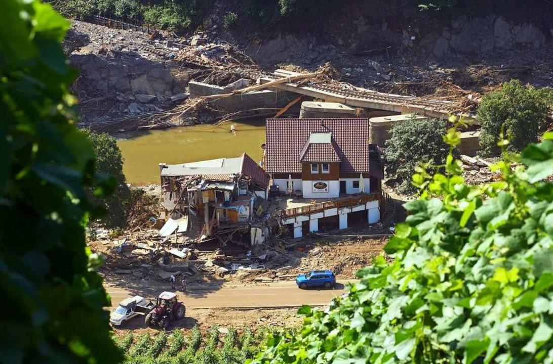Ein Haus in Marienthal, Rheinland-Pfal...itiv nicht bereit, Gäste zu empfangen.  | Foto: Thomas Frey (dpa)