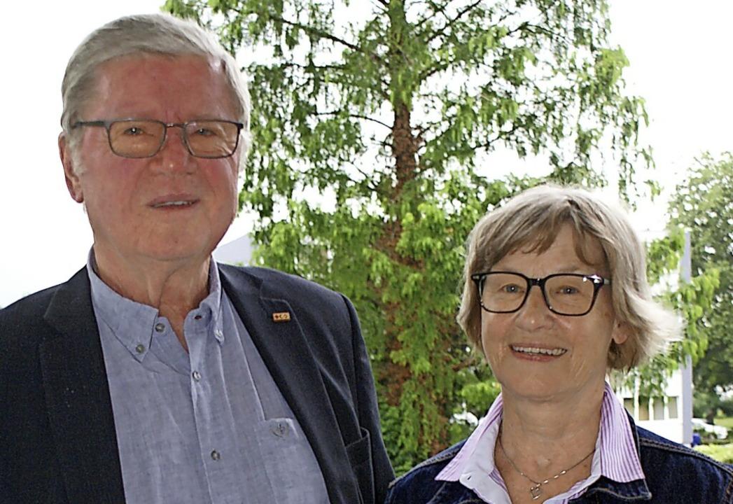 Wiederholen im Münster das Ehegelöbnis: Maria und Michael Merle    Foto: Werner Probst