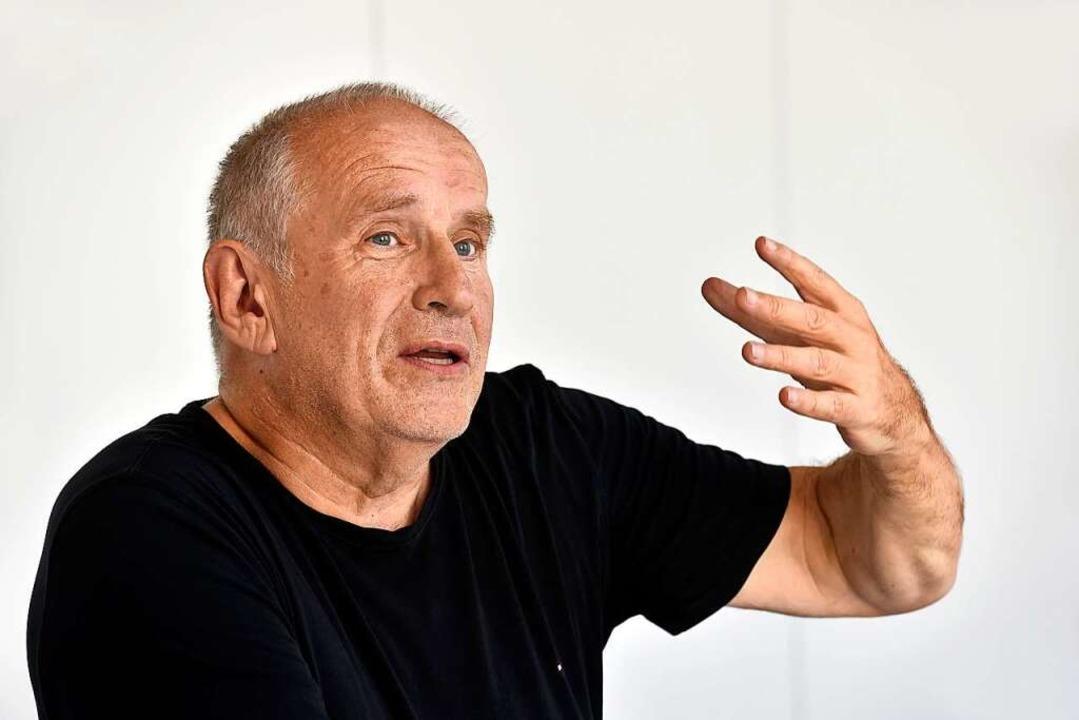 Matthias Deutschmann beim Interview mit der Badischen Zeitung.    Foto: Thomas Kunz