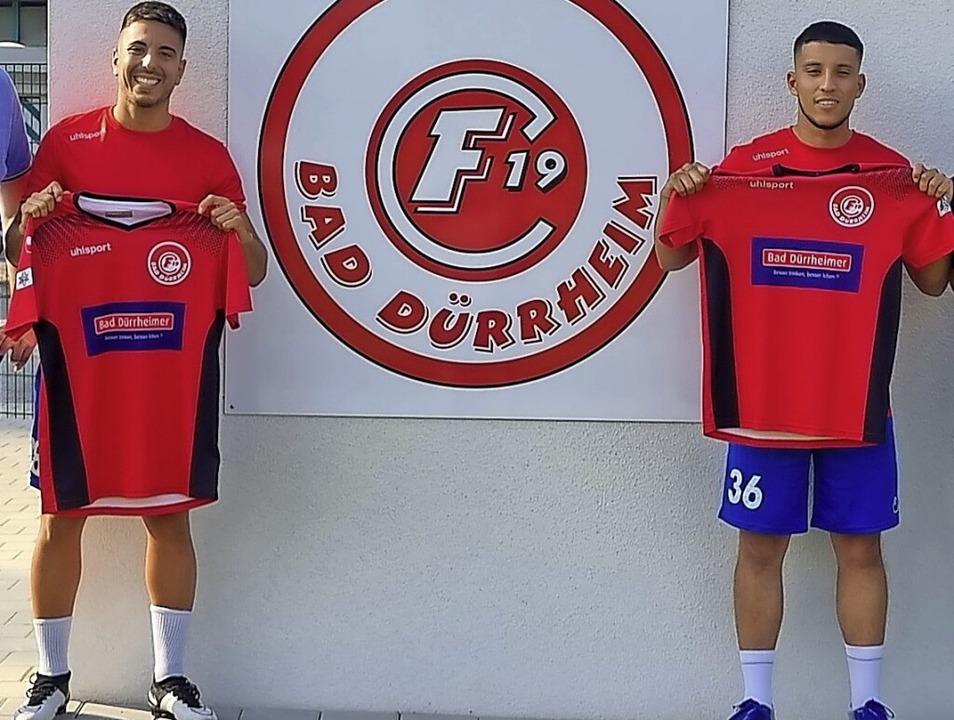 Die beiden Neuen beim FC Bad Dürrheim:... und Abwehrspieler Luis Lopez Alvarado    Foto: Verein