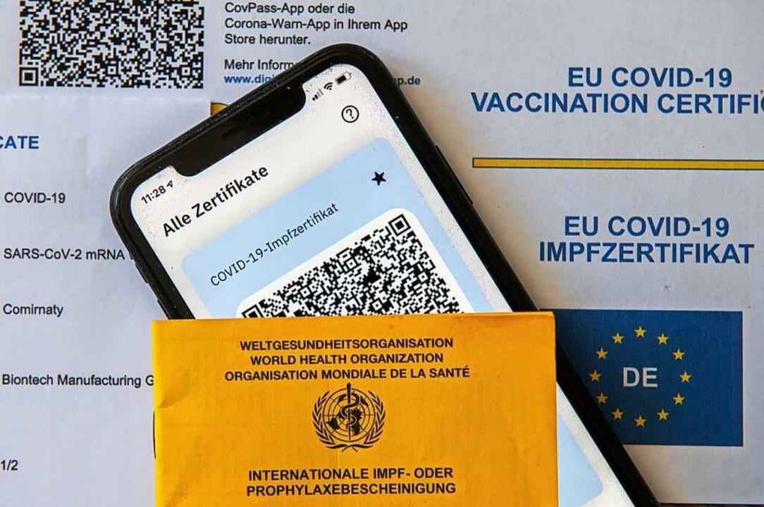 Nur mit einem Impfzertifikat kann die Impfung in Apps eingetragen werden.    Foto: Stefan Puchner (dpa)